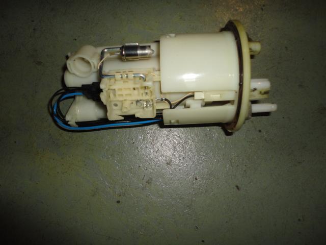 /yamaha/YZF_R6_2003_2004/Электрика: бензонасос 5PW-13907-00-00.