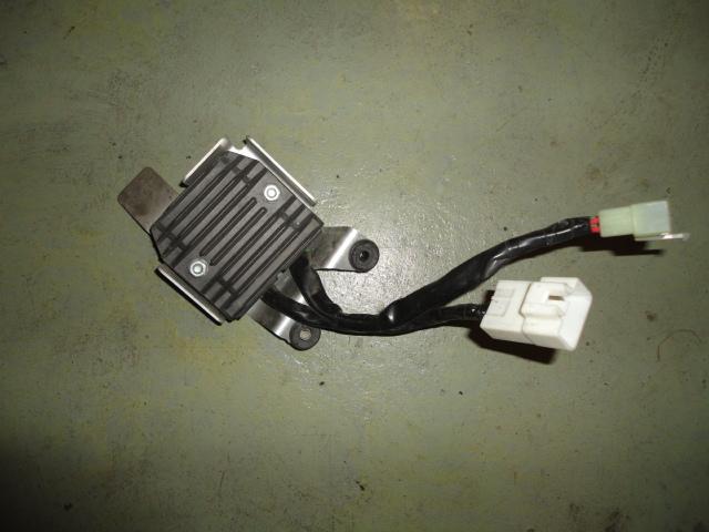 /honda/CBR_600_rr_2005_2006/Электрика: реле зарядки генератора 31600-MEE-872.