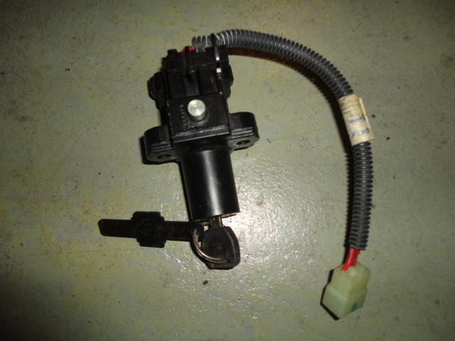 /honda/CBR_600_rr_2005_2006/Замок зажигания с ключом 35100-MEE-A00, не чипованный (америка).