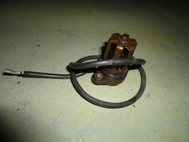 /yamaha/YZF_R1_2004_2005_2006/Электрика: датчик уровня масла 5VY-85720-00-00.