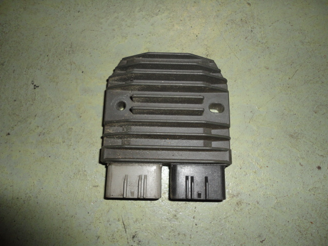 /yamaha/YZF_R1_2002_2003/Электрика: реле зарядки генератора 5JW-81960-00-00.