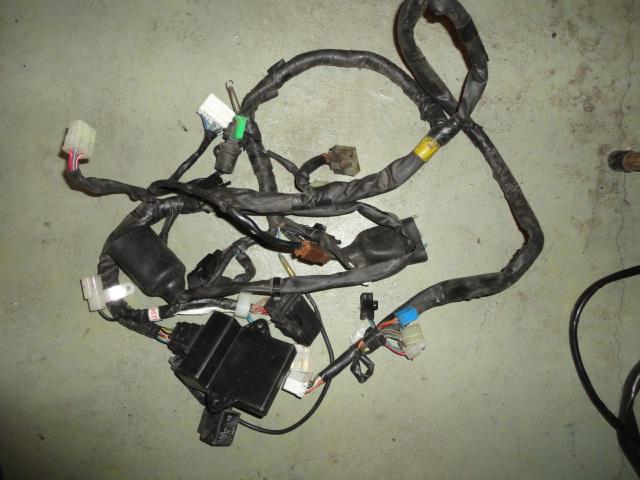 /yamaha/YZF_R1_1998_2001/Электрика: проводка основная 5JJ-82590-11-00 (америка).