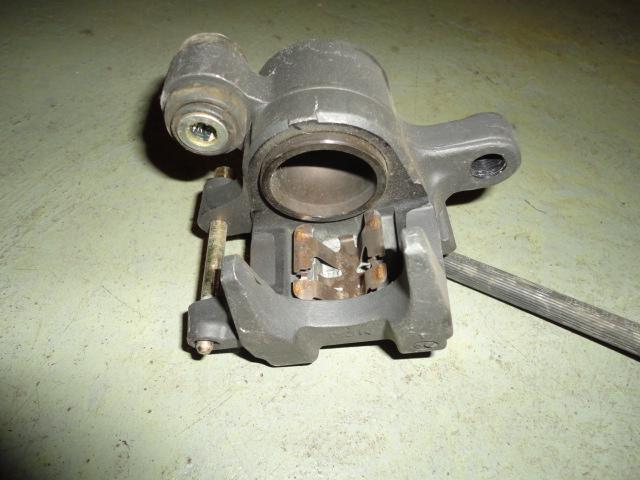 /honda/HONDACBR1000RR2004-2005/Тормозная система: суппорт задний 43150-MEL-006.