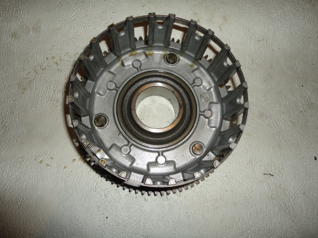 /yamaha/YZF_R6_2003_2004/Двигатель: корзина сцепления 5SL-16150-10-00 (5SL-16150-01-00, 5SL-16150-00-00).