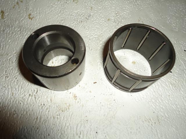 /yamaha/YZF_R6_2003_2004/Двигатель: игольчатый подшипник корзины сцепления 93310-340N8-00 с втулкой 90560-25270-00 (90387-25024-00).