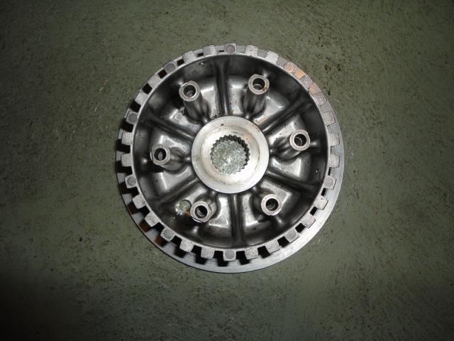/yamaha/YZF_R1_1998_2001/Двигатель: цапфа корзины (муфты) сцепления 4XV-16370-00-00.