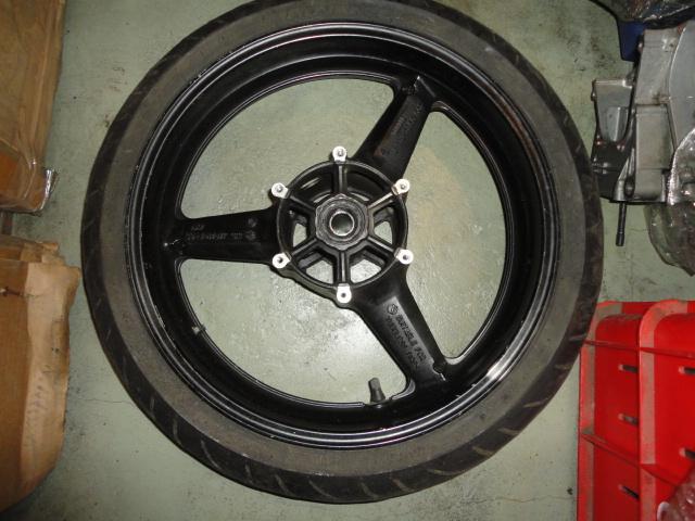 /yamaha/YZF_R1_1998_2001/Диск колесный передний 4XV-25168-00-33/4XV-25168-01-33/4XV-25168-00-35/4XV-25168-01-35 с резиной Shinco advance 120/70zr17