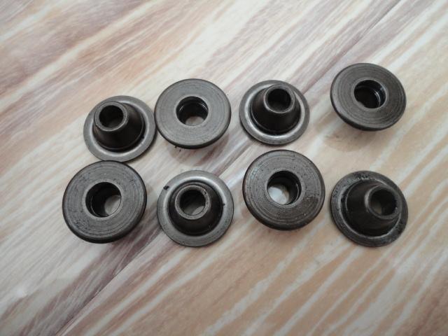 /yamaha/YZF_R1_1998_2001/Двигатель: ГБЦ опорные шайбы пружин выпускных клапанов 1WG-12117-00-00 x 8.