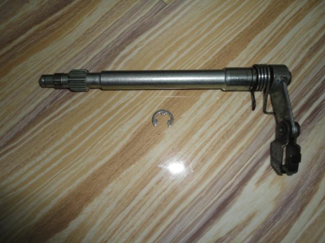 /yamaha/YZF_R1_1998_2001/Двигатель: КПП шток сцепления 4XV-16382-00-00  с концевиком.
