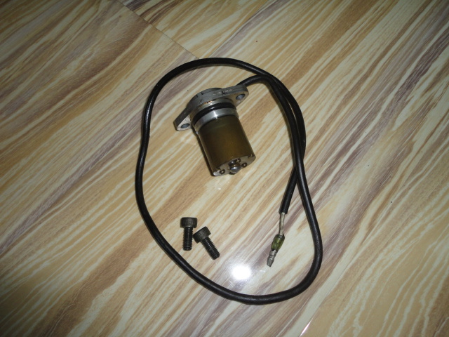 /yamaha/YZF_R1_1998_2001/Электрика: датчик уровня масла 4XV-85720-01-00.