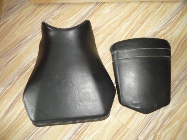 /yamaha/YZF_R1_1998_2001/Салон кожаный (сидение переднее 4XV-24710-10-00 и сидение заднее 4XV-24750-10-00).